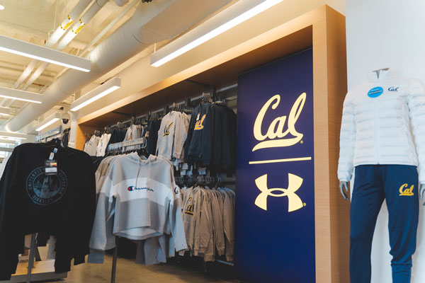 Indoor-Cal-Student-Store-00860
